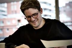 Jonas Van Thielen - Man in de mist tijdens eerste lezing - Foto: Bart Van Merode